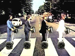 Die Beatles auf vier Segways, Montage des Covers der LP Abbey Road