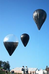 Verschiedene Solarballone von 2003